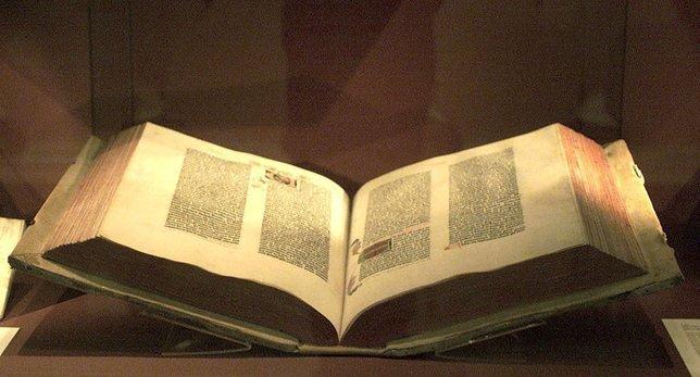 La lecture de la Bible, rien de tel pour alléger la pression que vivent les patrons. © Keystone-a
