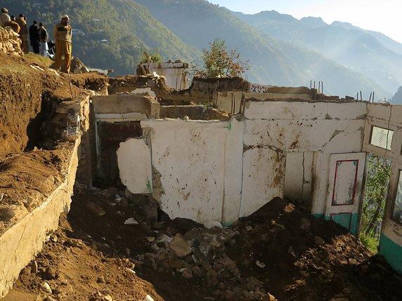 pakistan afghanistan difficile progression des secours la libert. Black Bedroom Furniture Sets. Home Design Ideas