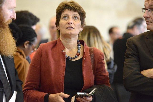 A Fribourg, Ursula Schneider-Schüttel est la seule à twitter en cet après-midi d'élection, qui va mal se terminer pour elle.