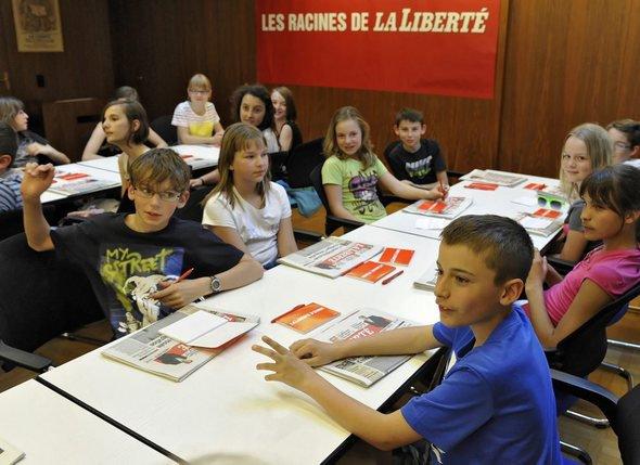 En 2013 dans le cadre de la Semaine des médias, «La Liberté» avait reçu une classe de Prez-vers-Siviriez. © Vincent Murith-a