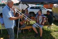 Chaude et belle ambiance au camping de la fête fédérale