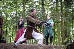 Quand les gardes font parler l'épée