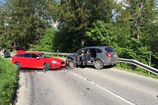 Deux conductrices blessées dans une collision frontale