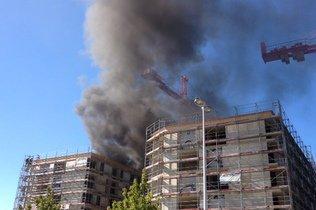 Un immeuble en construction prend feu à Bulle