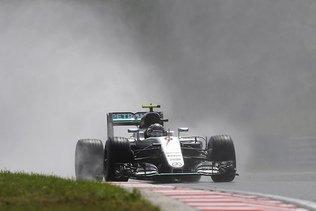 F1: Rosberg et Hamilton en première ligne en Hongrie