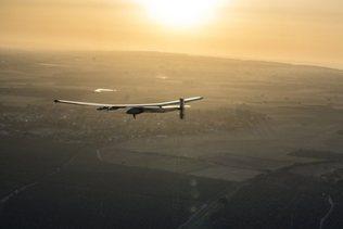 Solar Impulse 2 quitte l'Egypte pour la dernière étape