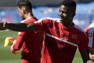 Le transfert d'Embolo à Schalke est officiel