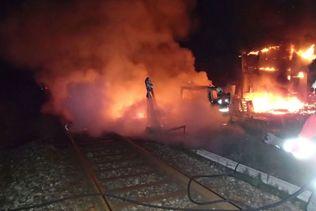 Trafic ferroviaire interrompu par des véhicules en feu