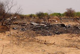 """Crash d'Air Algérie: des familles de victimes réclament la """"vérité"""""""