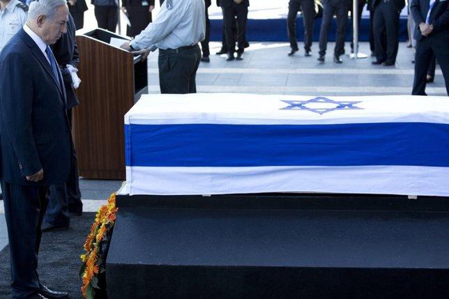 Israël se recueille sur le cercueil de Shimon Peres