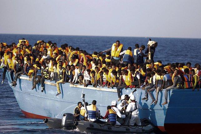 Environ 6500 migrants secourus lundi au large de la Libye