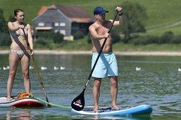 Le paddle créé des embouteillages sur le lac de la Gruyère