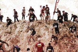 Une course d'obstacles dans la boue en Gruyère