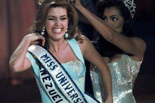Donald Trump reprend ses attaques contre Miss Univers