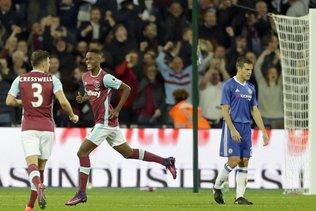 Coupe de la Ligue anglaise: Fernandes marque