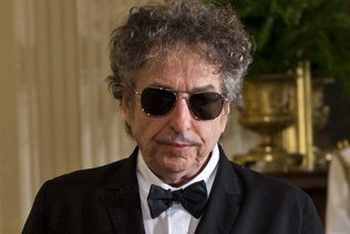 A Bob Dylan de choisir de recevoir ou non le prix Nobel
