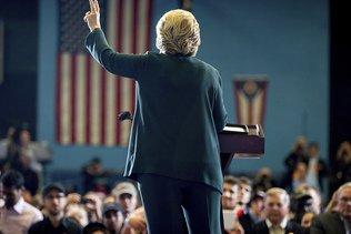 Clinton en tête dans la course aux grands électeurs (sondage)