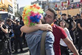Des militants LGBTI dénoncent un retour en arrière en Europe
