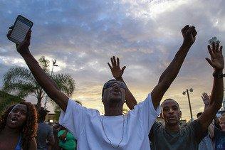 Noir abattu par la police: manifestation en Californie