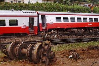 Septante-neuf morts dans le déraillement d'un train Yaoundé-Douala