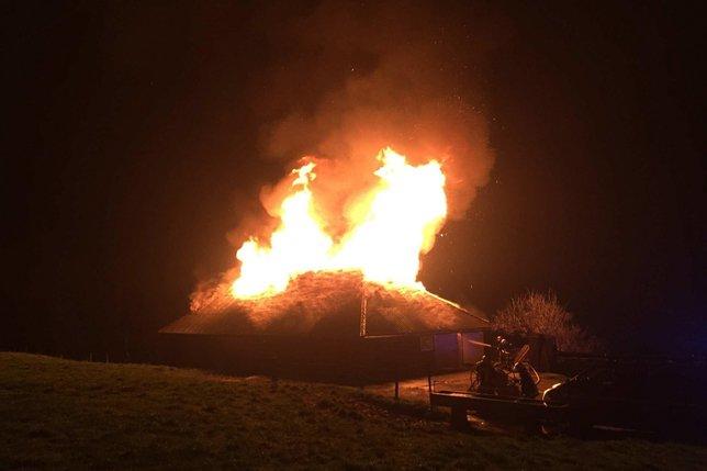 Chalet d'alpage détruit par les flammes à Hauteville