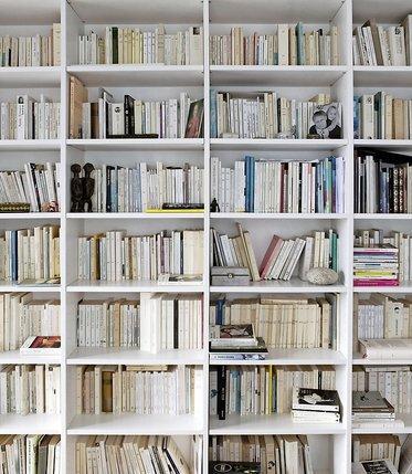 L'homme de lettres en sa bibliothèque. © Corinne Stoll/Photomontage LIB