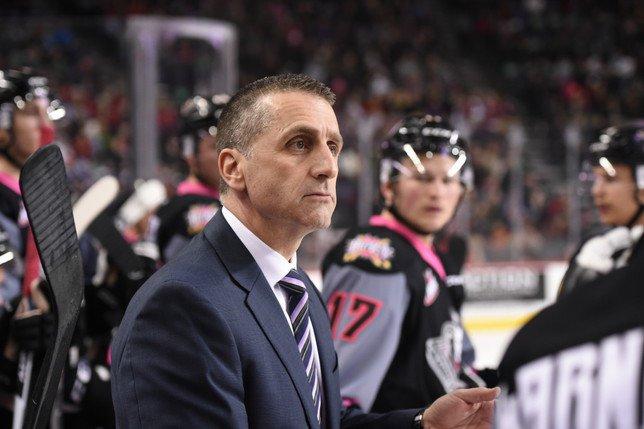 Mark French est le nouvel entraîneur de Gottéron