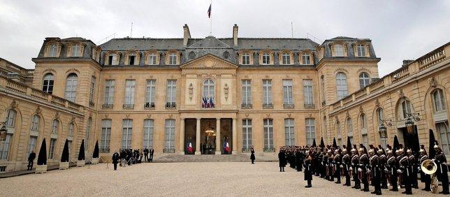 Les candidat(e)s se bousculent dans l'espoir d'entrer sous les honneurs au palais de l'Elysée. Pour autant, plusieurs d'entre eux ont déjà annoncé qu'ils n'y habiteraient pas, rompant ainsi avec toute une tradition.  © Keystone