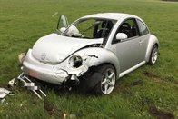 Quatre blessés et une voiture dans un champ