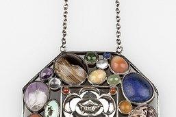 Les bijoux, beautés universelles