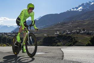 Giro: Pierre Rolland gagne en solitaire la 17e étape