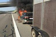 Un véhicule en feu à Semsales