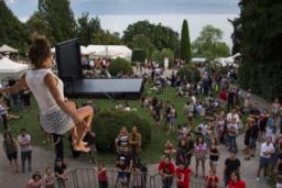 Plus de 300 sauts depuis la façade du Musée de l'Elysée