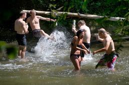 Se baigner dans un cours d'eau peut être dangereux