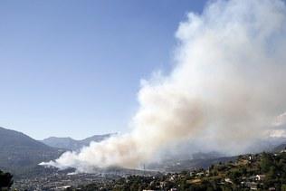 Les incendies sont en partie contenus dans le sud-est de la France
