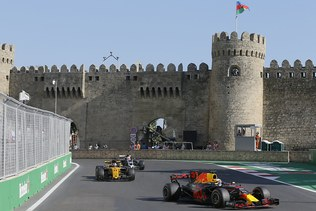 GP d'Azerbaïdjan: Daniel Ricciardo remporte le GP d'Azerbaïdjan