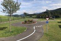 Place de jeux routière à l'Institut des Peupliers