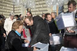 L'initiative pour la transparence déposée avec 109'598 signatures