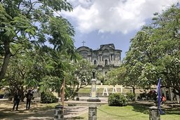 Promenade d'après-messe à Manille