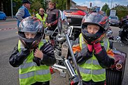 Des motards roulent pour les enfants atteints d'un cancer