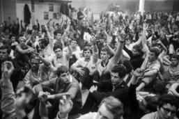 Le militant des années 68 en Suisse était plutôt un étudiant