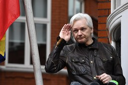 Julian Assange naturalisé Equatorien