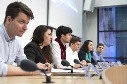 """Les jeunesses de partis contre """"No Billag"""""""