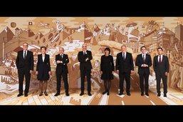 Deux Fribourgeois signent la photo du Conseil fédéral
