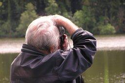 Marcel Imsand face au lac