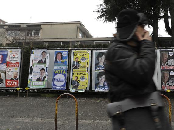 Video législatives en italie une femen perturbe le vote de