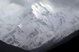 Himalaya: des Polonais atteignent une Française en difficulté
