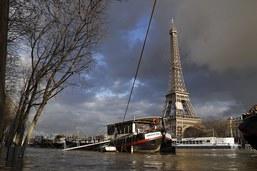 Le pic de la Seine attendu dans la nuit à Paris