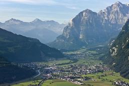 Un alpiniste de 36 ans se tue dans les Alpes glaronaises