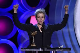 """""""Get Out"""" triomphe aux Spirit Awards à la veille des Oscars"""